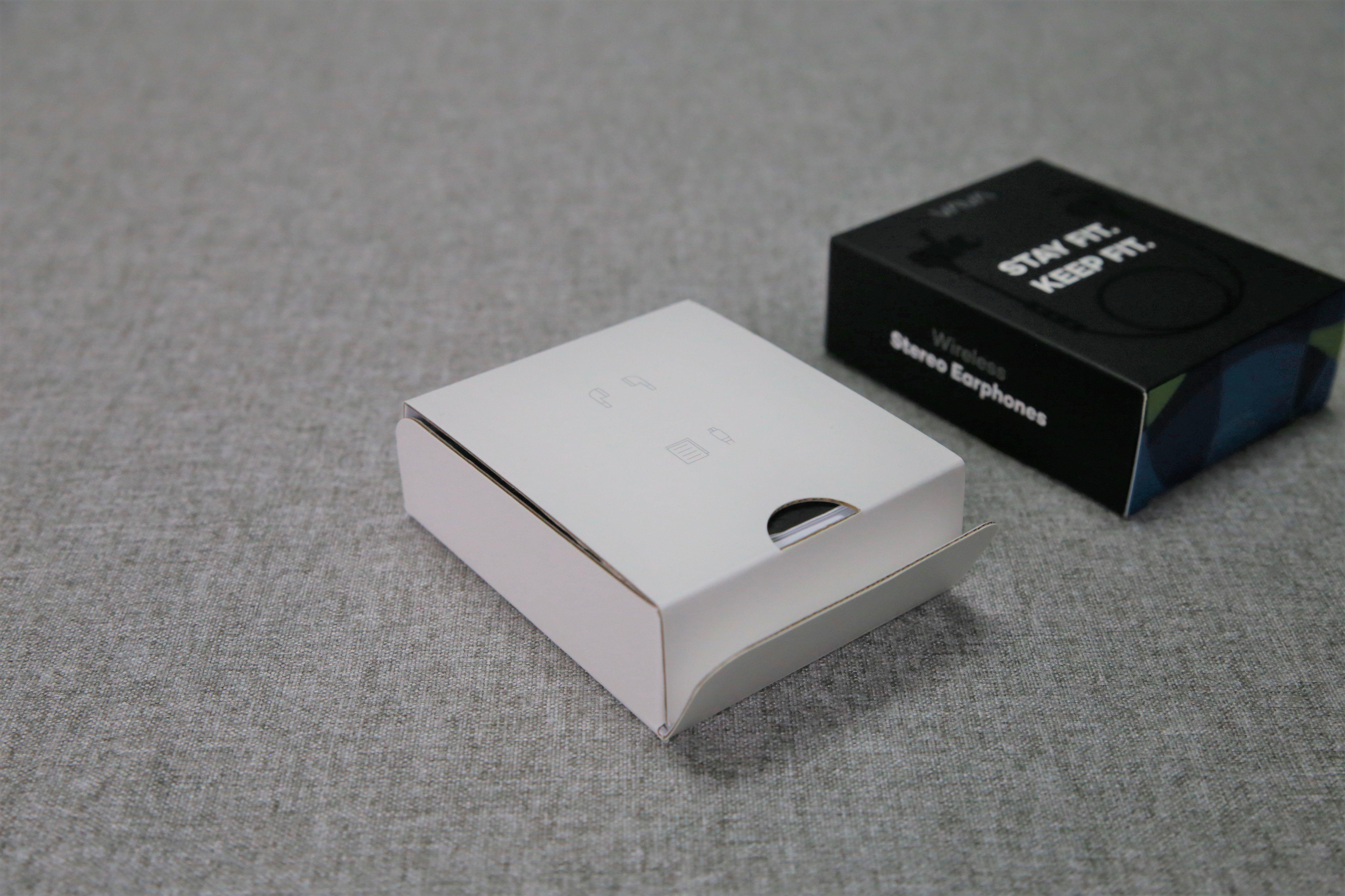 VAVA MOOV 28 磁吸藍牙耳機推薦 - 內盒
